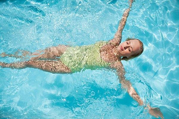 Bơi lội có lợi ích gì đối với sức khỏe mà bạn chưa biết?